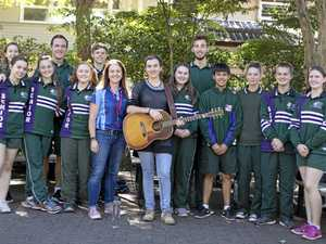 Surprise concert has students singing over lunch
