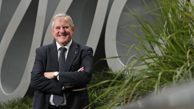 Queensland Resources Council head Ian Macfarlane says Aurizon should stop playing politics.