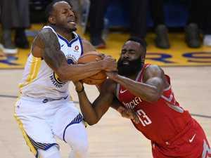 Rockets steal a Western thriller