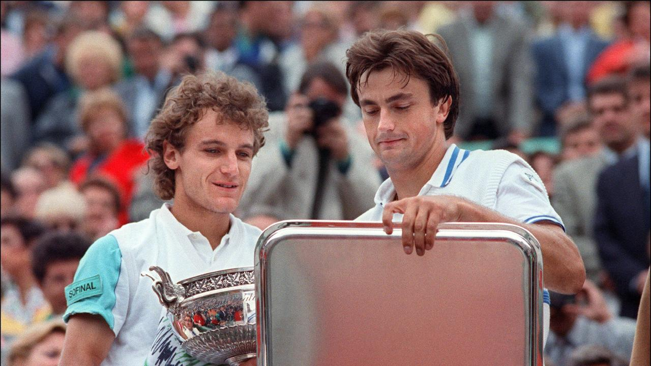 Henri Leconte (R) was France's last men's finalist at Roland Garros, losing to Sweden's Mats Wilander in 1988.
