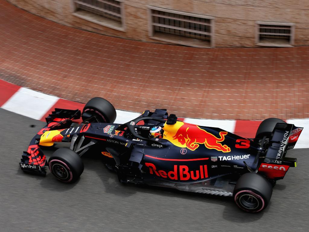 Daniel Ricciardo takes a corner during Practice 1.