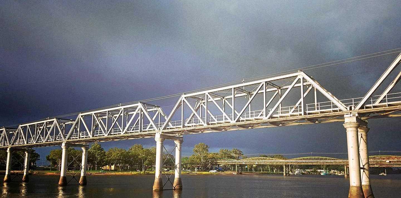 Janine Thompson took this photo of the railway bridge in Bundaberg.