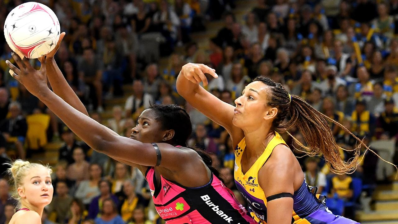 Geva Mentor (right) tries to shut down Shimona Nelson. Picture: Getty Images