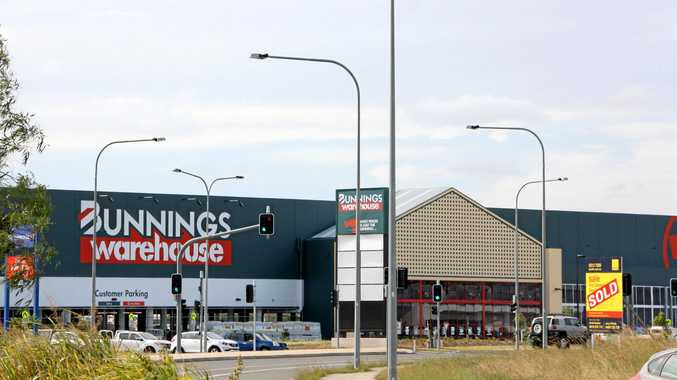 Robber pulls axe on Bunnings staff, sparks police chase