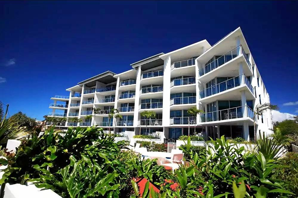 NEW ROOF: The roof at C Resort in Bargara is being replaced this week.