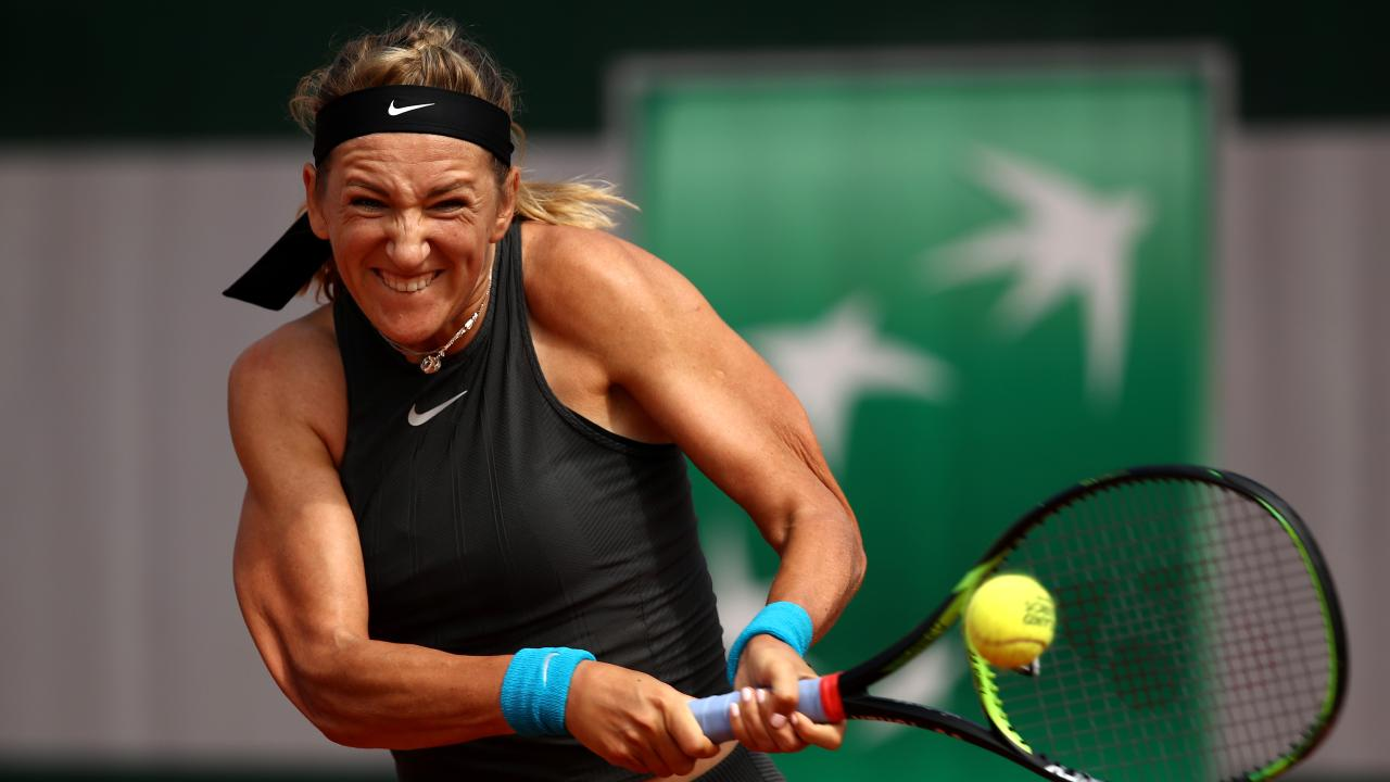 Victoria Azarenka of Belarus lost in straight sets to Katerina Siniakova.