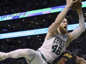 Broken Baynes reveals playoffs bravery