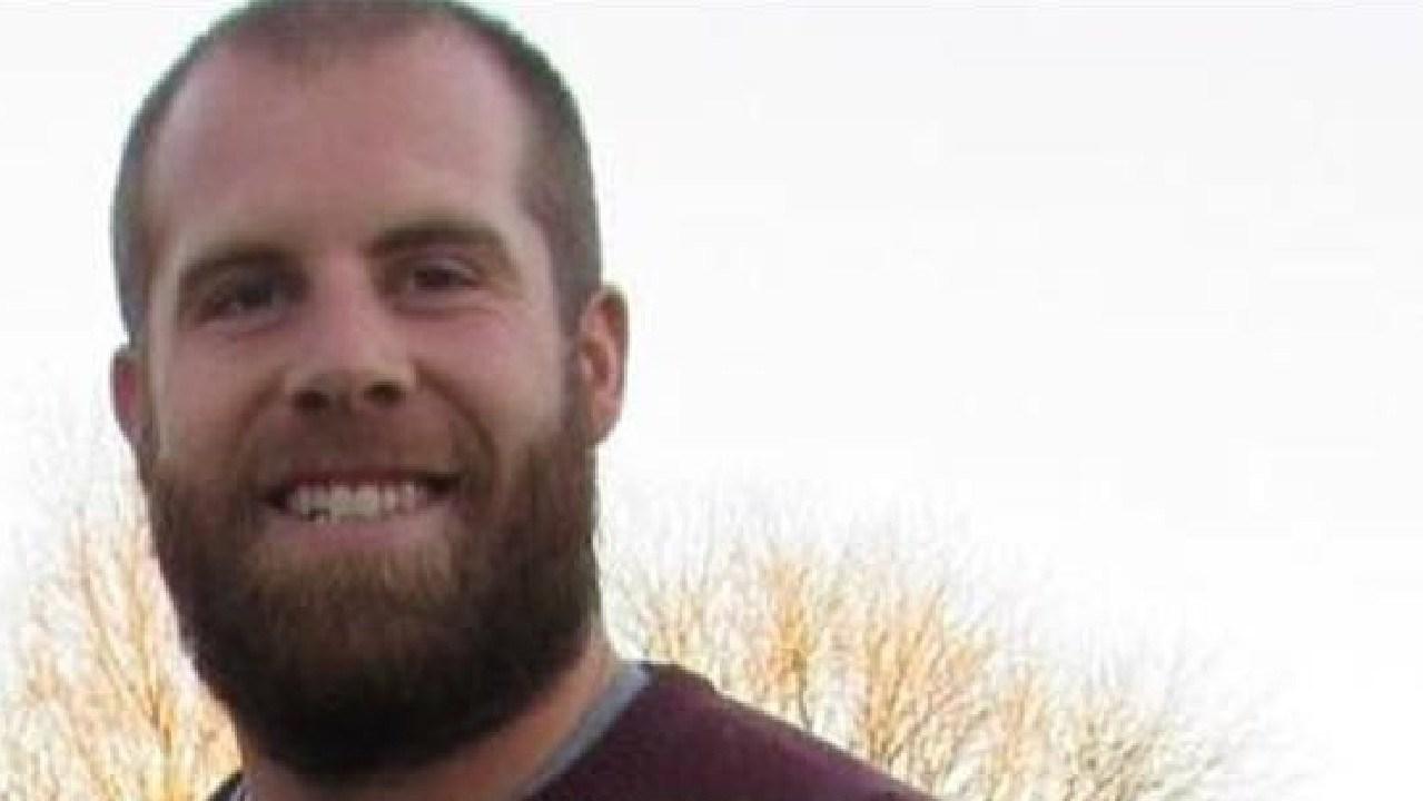 Year Seven teacher Jason Seaman has been hailed a hero for saving his students' lives.