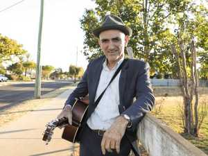 Paul Kelly goes bush to help Queensland kids