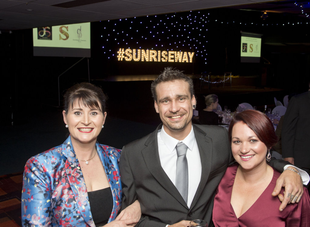 ( From left ) Wendy Agar, CEO Sunrise Way, Justin Heal and Carla Canning, SR Rehab Leader at the Sunrise Way Fundraising Dinner. Saturday, 2nd Jun, 2018.