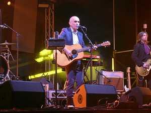 Paul Kelly and friends rock Dirranbandi