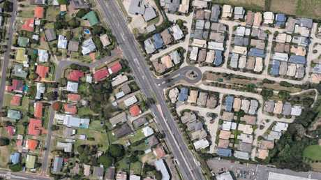 Carina in Perth. On the left, an older suburb, with large gardens. On the right a newer suburb with barely a skerrick of green backyard. Picture: Google.