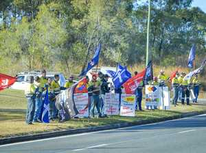 Gladstone unionists protest Monadelphous over pay dispute