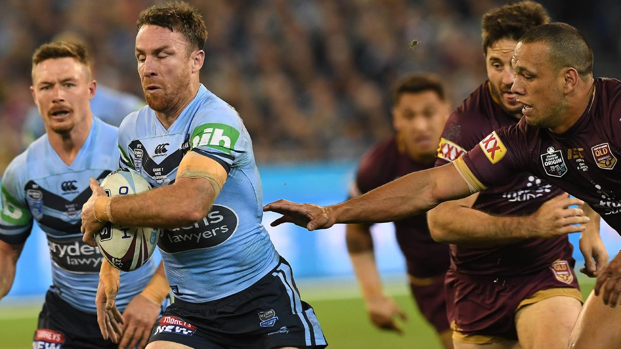James Maloney goes in for a try.