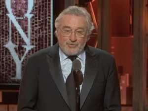 De Niro's two-word outburst stuns