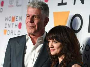 Photographer 'sorry' over Bourdain shots