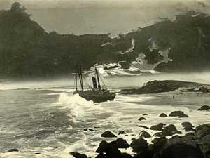 'Duranbah' runs aground off Tweed Bar