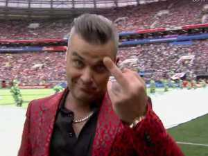 Robbie Williams fails at World Cup
