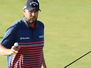 Leishman barely keeping misfiring Aussie hopes alive