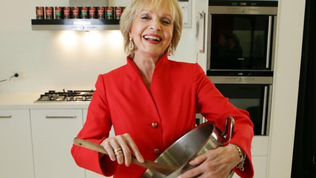 Florence Henderson played Carol Brady on The Brady Bunch for five years.