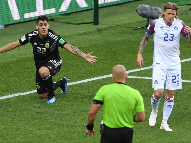 Pavon appeals for a penalty.