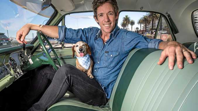 Former Western Bulldogs skipper Robert Murphy takes a different look at Aussie rules in his new show on Fox Footy, Bob, accompanied by his dog Arthur.