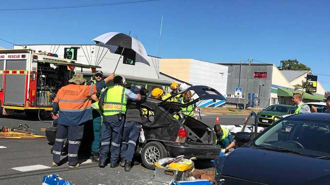 UPDATE: Entrapped driver extricated after intersection crash
