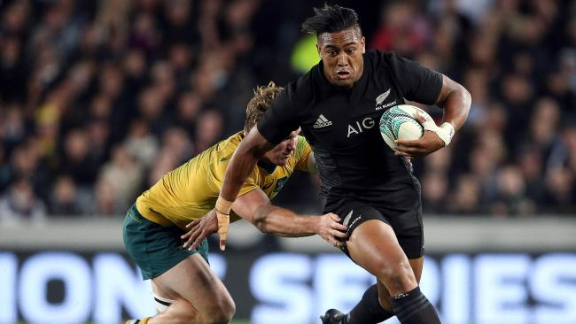 Julian Savea is joining French Top 14 club Toulon at the end of Super Rugby.