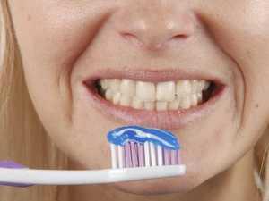 Jealous boyfriend bans teen from brushing teeth