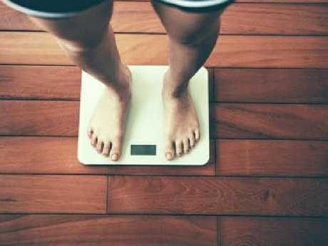 Is losing such a huge amount of weight in such a short time a good idea?