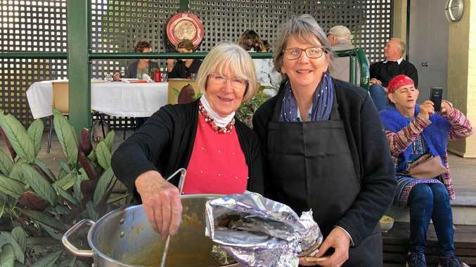 Pam Fysh and Kerrie Bowles, celebrity chef at the Gallery soup day.