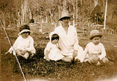 Mary Ferris with her three children, Clementina, Ruby and William, ca 1931.