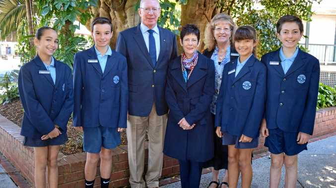 SCHOOL VISIT: His Excellency General The Honourable David Hurley AC, DSC (Ret'd), Governor of NSW, Mrs Linda Hurley and Byron Bay Public School principal Linda Trigg with the student leadership team: l-r vice captain Luxe Godfrey-Asseraf, captain Abe Tasker, captain Georgia Sponder and vice captain Jessie Barwick.