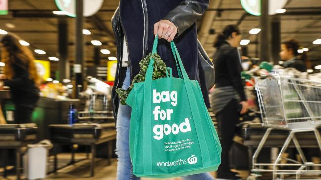 Woolies, Coles new bag ban warning