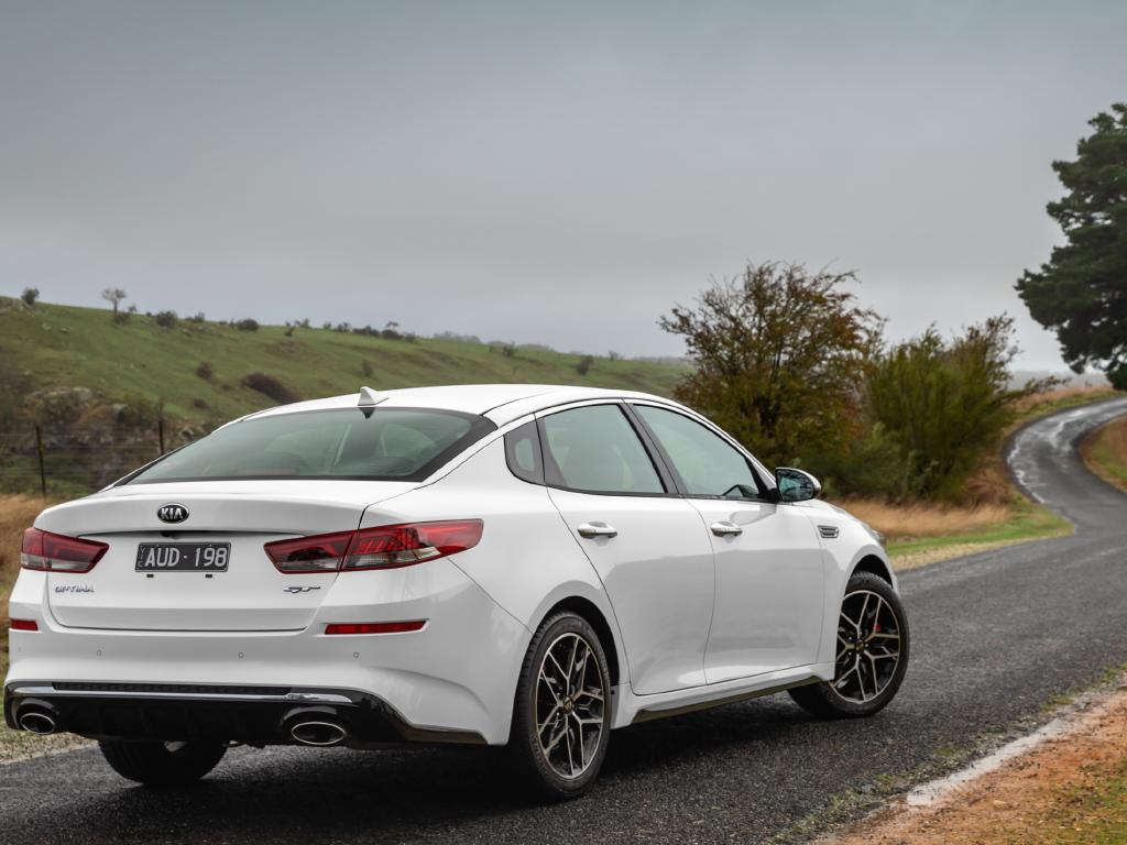 Revised suspension improves the Optima's roadholding and comfort.