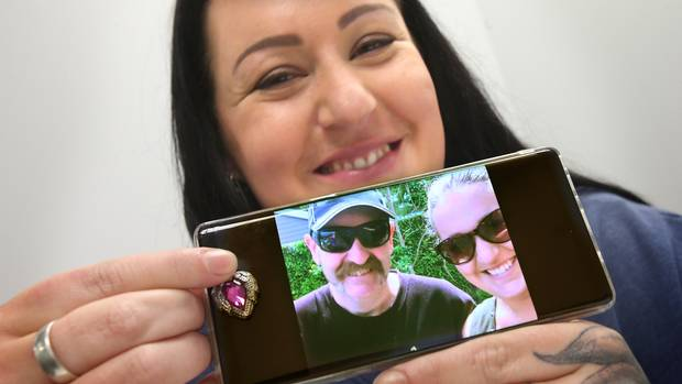 Chelsea Campbell has been reunited with her late father's ashes, which were kept in a pendant and lost in Countdown supermarket. He was later found in the cottage cheese section. Picture: John Borren