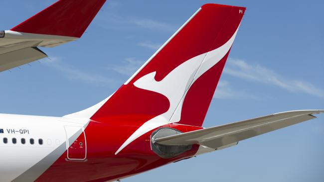 Sneaky way friends are stealing your Qantas points.
