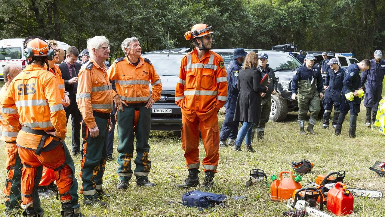 NSW State Emergency Service (SES) members also search the new location, bushland at Batar Creek.