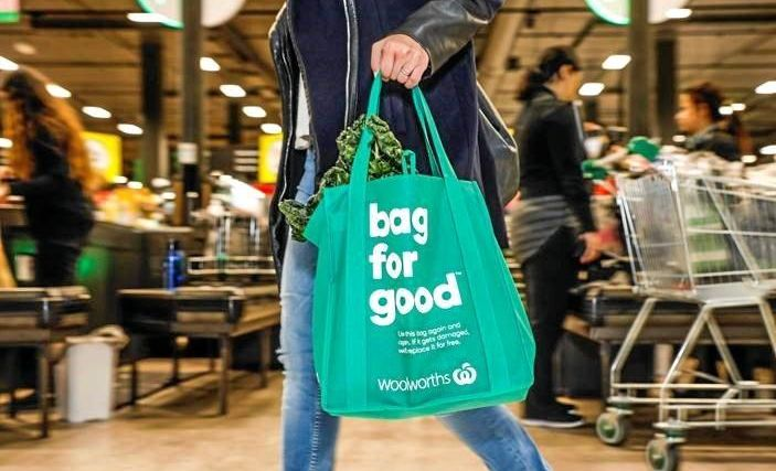 Gladstone Woolworths will be offering free reusable bags over the next week.