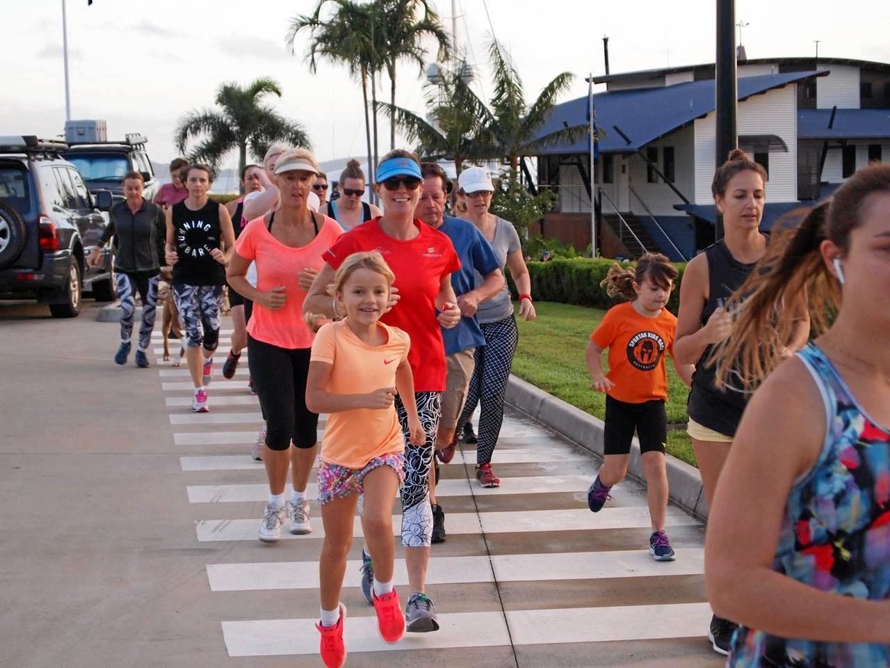 Airlie Beach parkrunners begin thier 5k run.