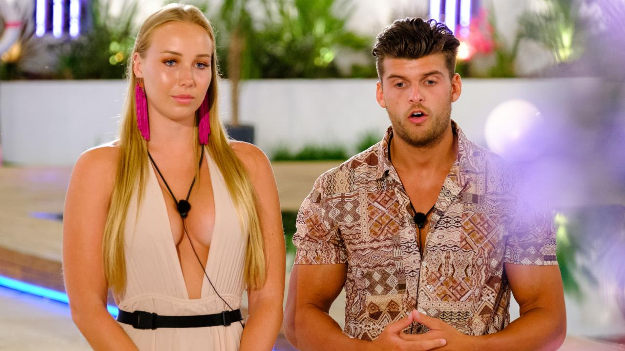 Love Island contestants Mac and Teddy decided to leave the show on Monday night's episode. Picture: Channel 9