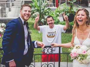 Star hilariously gatecrashes wedding