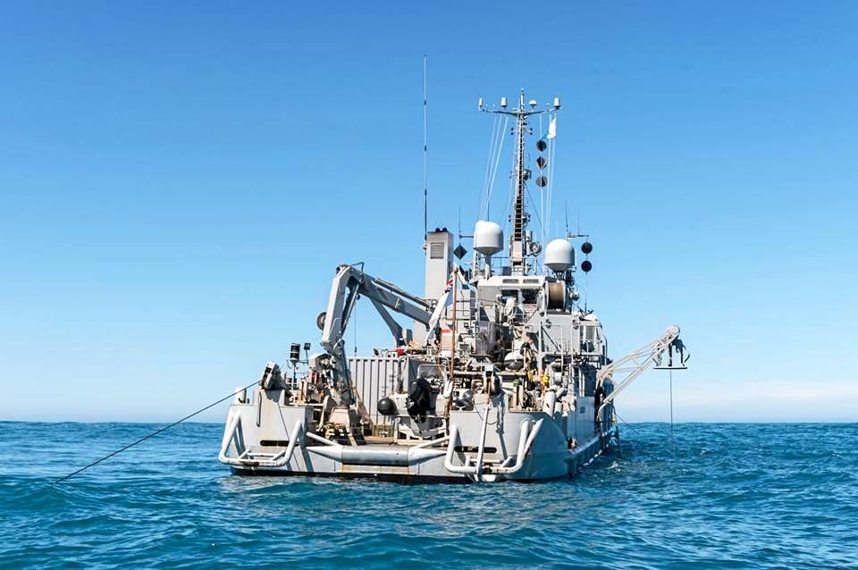 The NZ Naval vessel Manawanui at work.