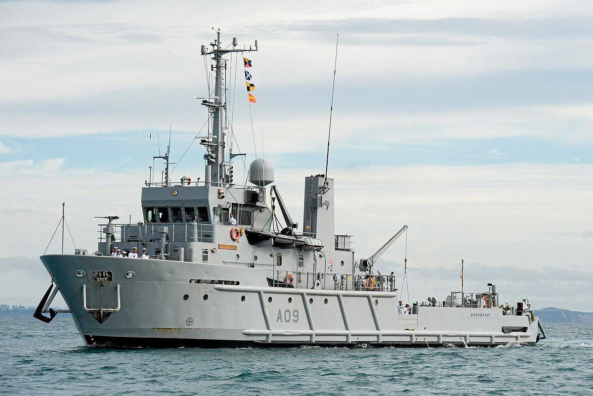 The HMNZS Manawanui.