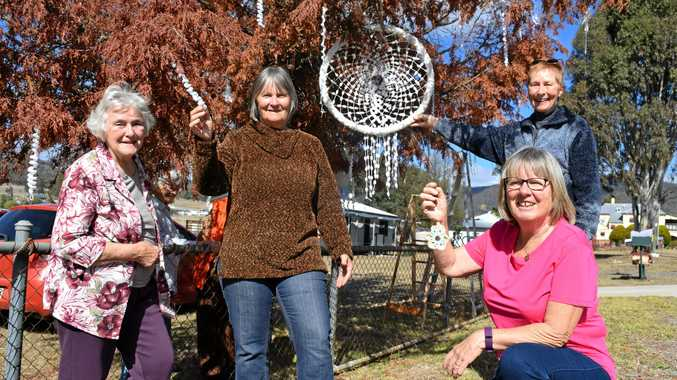 NICE TOUCH: Maryvale Craft Group members Tricia Irving, Marj McKenzie, Colleen Cowley and Barbara Dukeson decorate Taylor St.