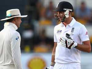Turned up: stump mics to stay on as ICC cracks down on sledging