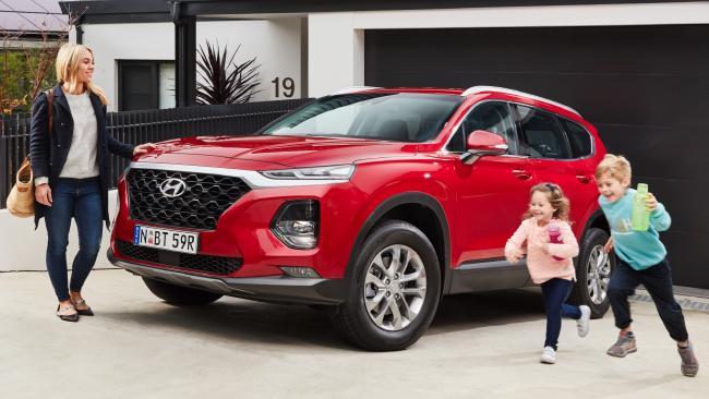 2018 Hyundai Santa Fe: Safety, tech, seven seats and off-road ability