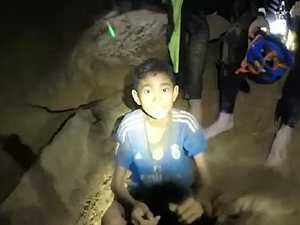 Frantic rescuers battle time to free boys from Thai cave