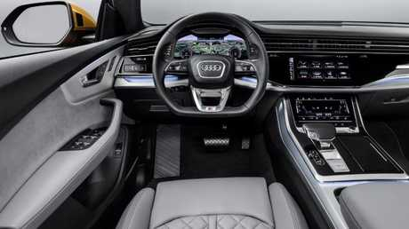 Q8 cabin: Ample interior space and superior ride comfort (overseas model shown)