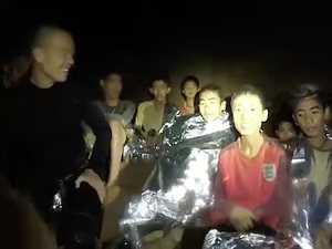 Thailand cave rescue: Former Navy SEAL dies in bid